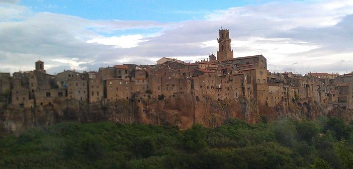 Mura di Pitigliano, la storia della Piccola Gerusalemme della Toscana